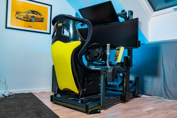 42SimStudio - Gaming PC für Simracing beleuchtet